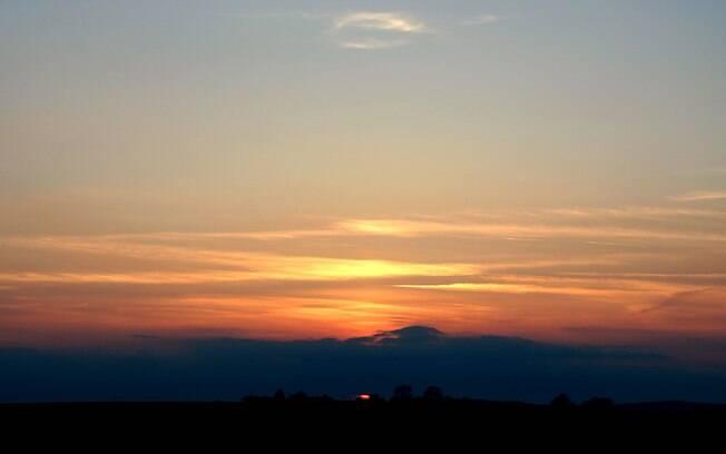 Pôr-do-sol usado como fundo da foto