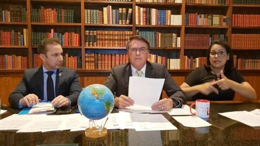 Bolsonaro em live dia 11/03