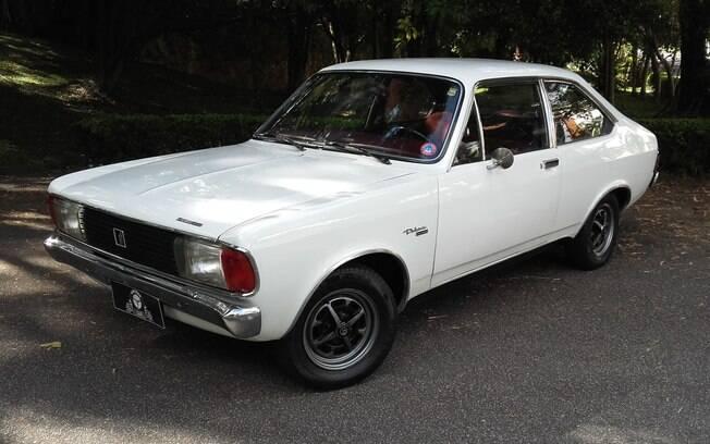 Dodge Polara foi uma aposta da marca americana no Brasil para conquistar os compradores de modelos médios