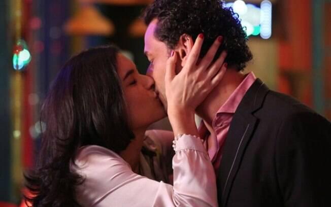 Fred beijou atriz em participação na novela Flor do Caribe em 2013