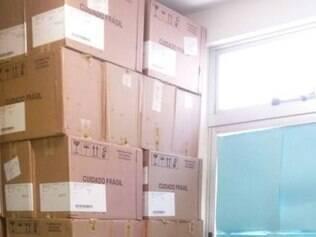 Caixas foram encontradas no bairro Ribeiro de Abreu
