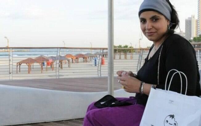 Médica Saleyha Ashan teve nível de açúcar no sangue monitorado por uma semana