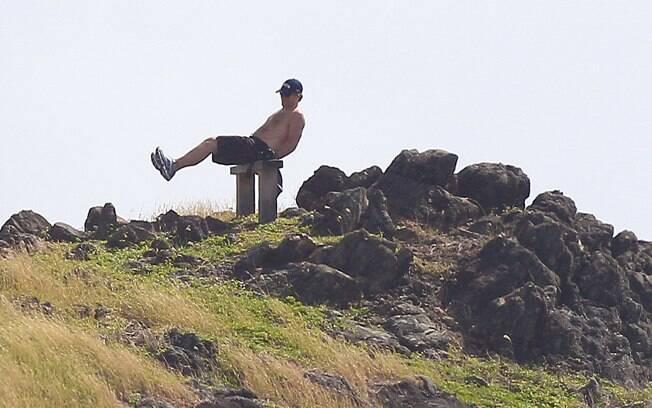 O cantor se exercitou diante das câmeras