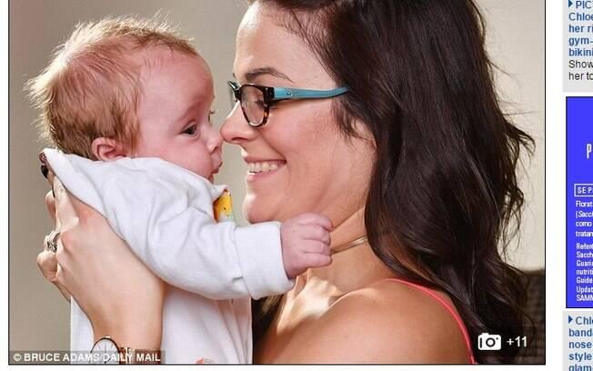 Mãe bebê sete litros de água e salva bebê ainda no útero