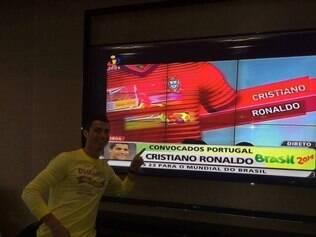 Cristiano Ronaldo comemorando sua convocação para a Copa do Mundo