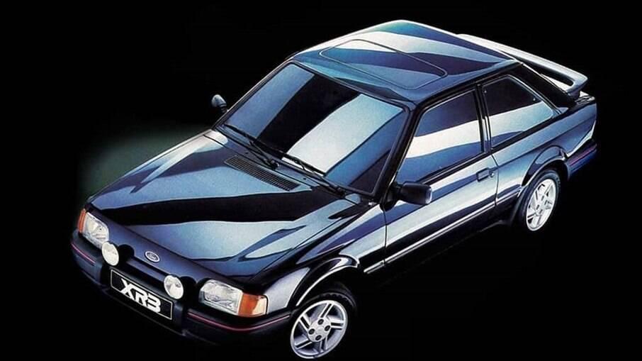 Ford Escort XR3: parceria com a Volkswagen fez o esportivo abandonar o antiquado motor CHT, com comando lateral