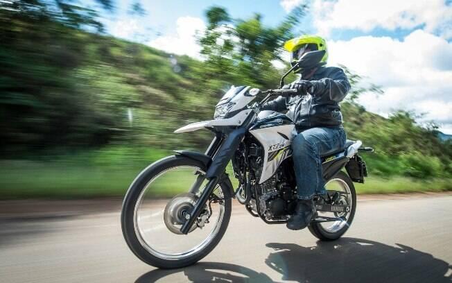 A nova Yamaha XTZ 250 Lander ficou mais confortável para viagens no asfalto