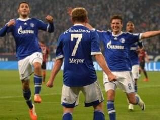 Jovem e talentoso meia, Max Meyer marcou o primeiro gol dos Azuis Reais