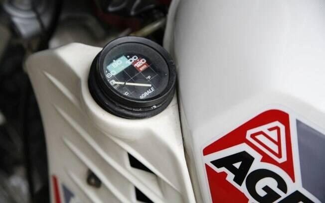 Agrale SXT 16.5 vinha com medidor de temperatura da água do motor, uma das novidades do modelo na época em que foi lançado