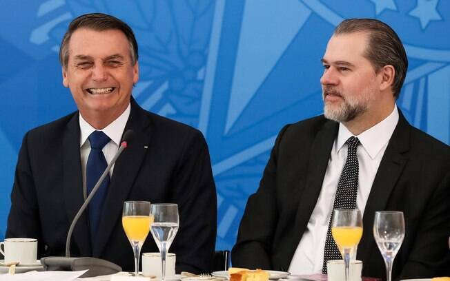 O atual presidente da Corte, ministro Dias Toffoli, ao lado do presidente Jair Bolsonaro
