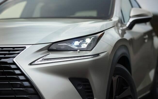 Lexus NX 300 é um dos vários modelos que já contam com luzes diurnas de série