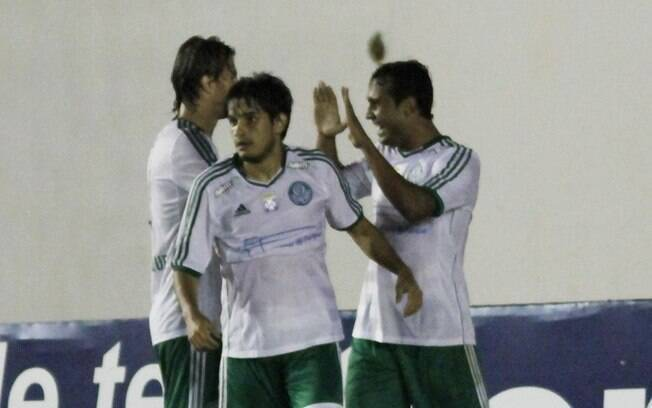 Na sexta rodada, vitória como visitante sobre  o América-RN por 2 a 0, gols de Vinicius e  Fernandinho