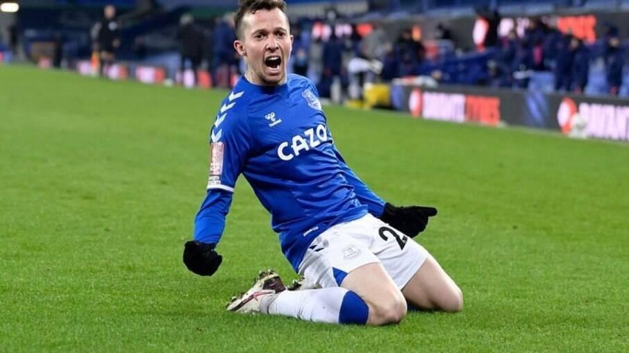 Bernard está no Everton desde 2018