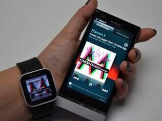 SmartWatch funciona em conjunto com celular