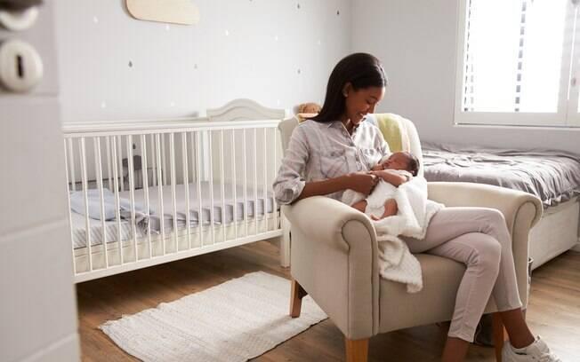 Licença maternidade estendida evita desmame extremamente precoce de leite e afeto, algo que não tem como ser suprido