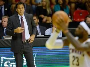 Erik Spoelstra busca reconstruir equipe sem a presença de LeBron James