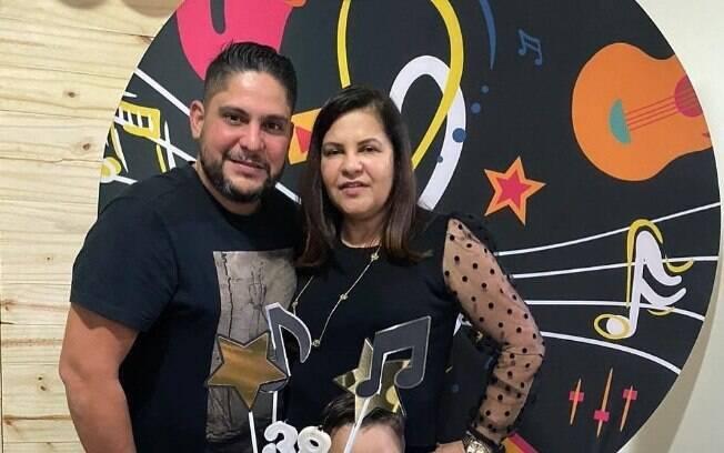 Jorge com a mãe, Geno