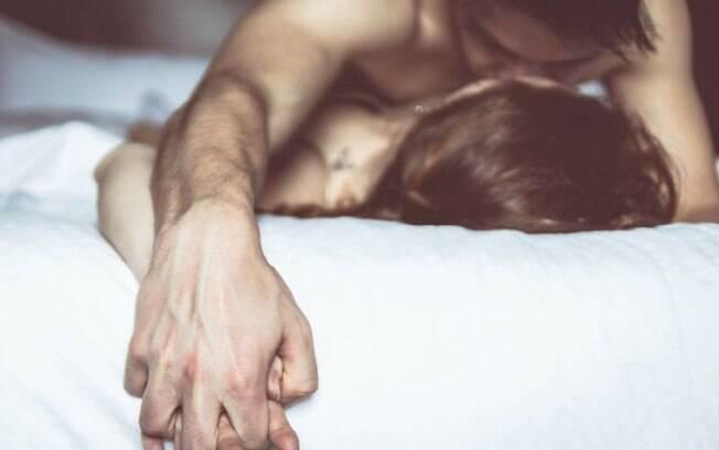 A 24ª posição sexual do desafio é ideal para quem gosta de penetração profunda, mas pode ser aproveitada por todos