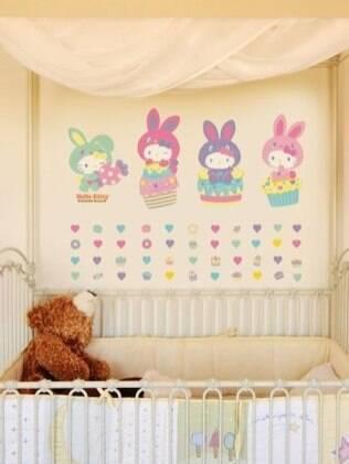 Adesivos personalizados Hello Kitty deixam o quarto com jeito de Páscoa