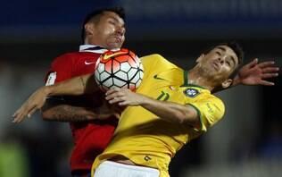 Vargas marca duas vezes, e Brasil cai diante do Chile nas Eliminatórias
