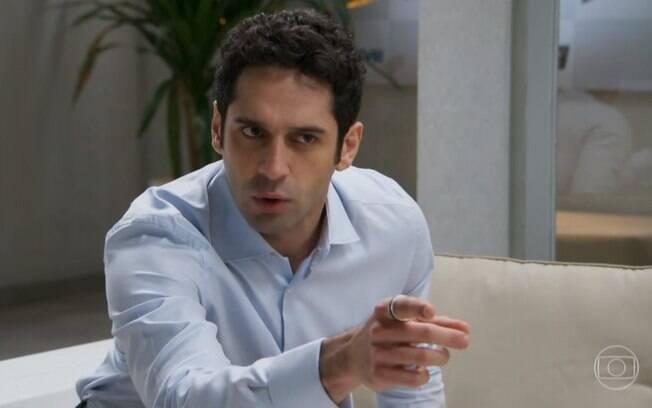 Beto pede que Adriana promova Apolo em