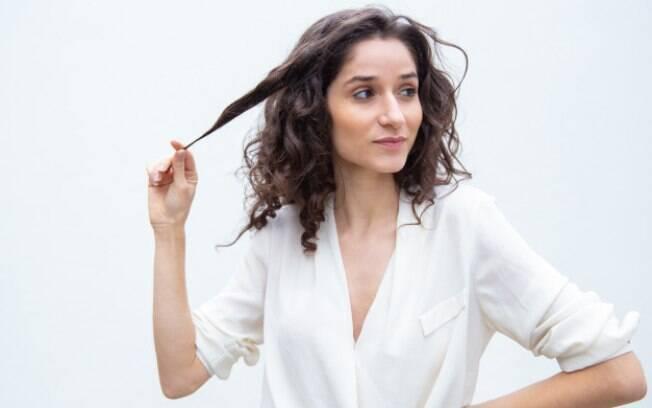 O teste de mecha comprova se o cabelo tem resistência ou não a tintura