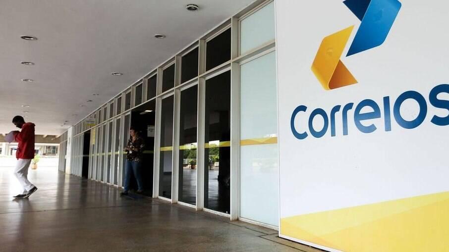 Funcionários dos Correios vivem incertezas por causa da privatização