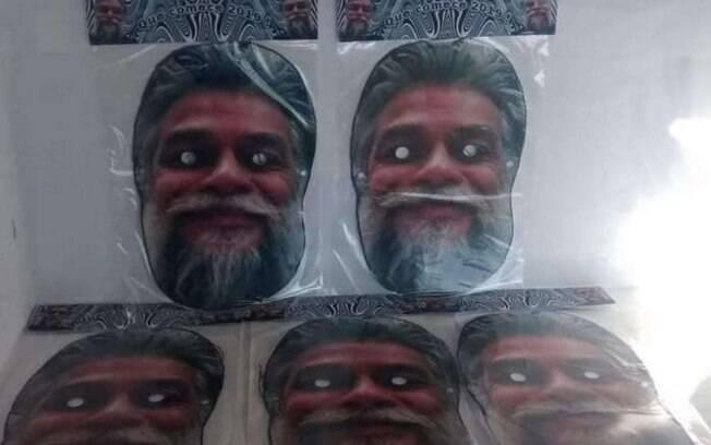 Máscaras com rosto de Fábio Assunção dividem opiniões