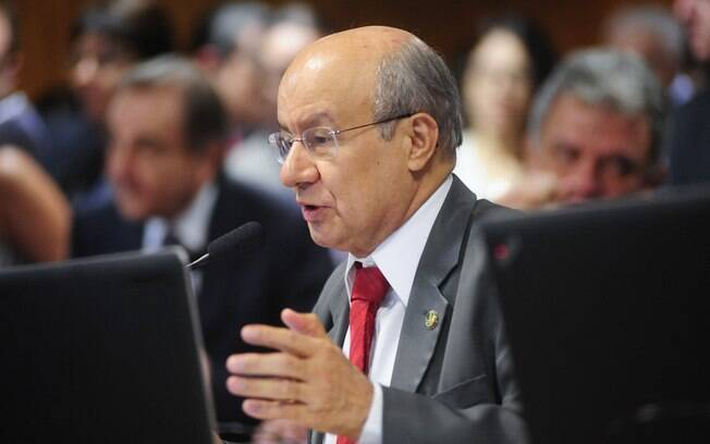 O senador José Pimentel (CE) é uma das indicações do PT para compor a comissão especial do impeachment no Senado. Foto: Pedro França/Agência Senado - 14.10.15