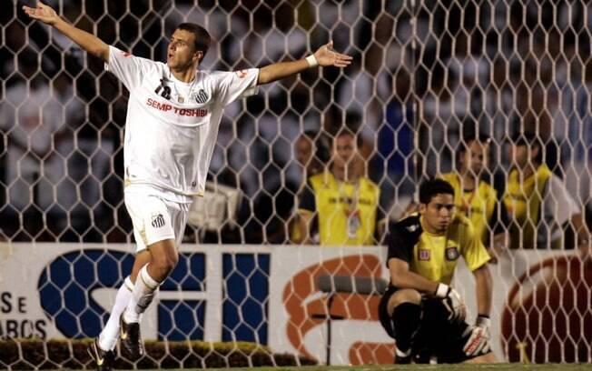 Moraes marcou o gol do título paulista do Santos em 2007, contra o São Caetano