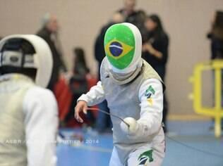 Nicolas Ferreira costuma usar a bandeira do Brasil estampada em seu capacete