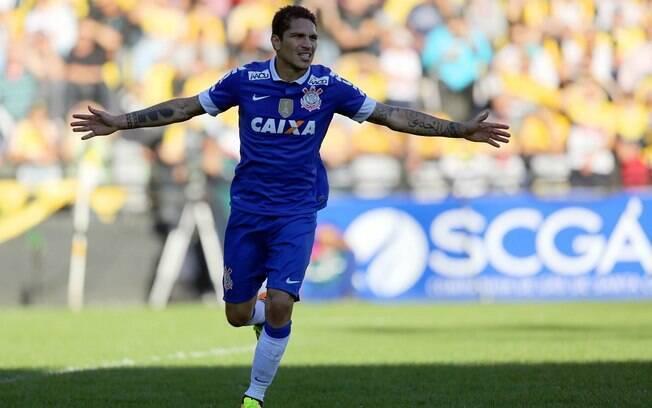 Guerrero desencantou e marcou um dos gols do  Corinthians