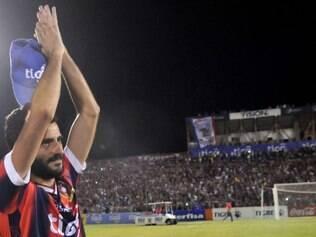 Experiente atacante espanhol, Güiza é um dos destaques do Cerro Porteño
