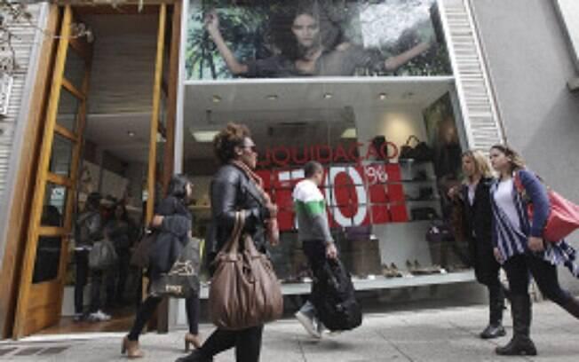 Intenção de consumo cresceu entre as famílias brasileiras