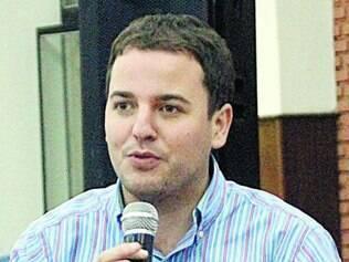 """Gabriel Guimarães pensa em """"desinchar"""" a administração, se eleito"""