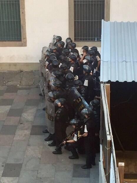 PM conta com o apoio da Força Nacional para conter protesto na Alerj