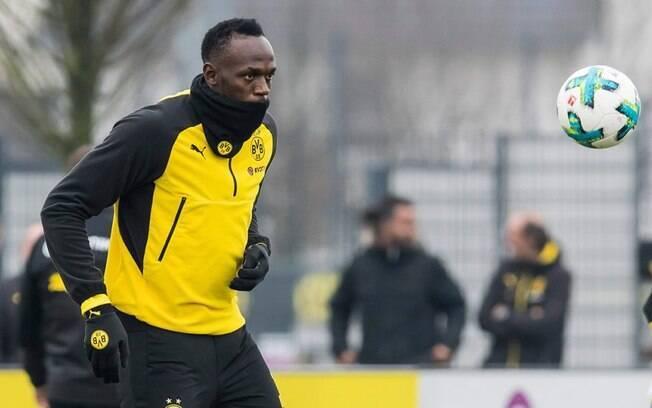 Usain Bolt durante sessão de treinos no Borussia Dortmund