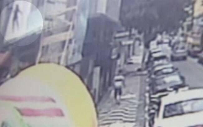 Mulher grávida de dois meses caiu do sacada do apartamento em São Vicente após discutir com o marido