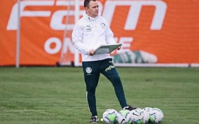 Andrey Lopes, técnico interino do Palmeiras