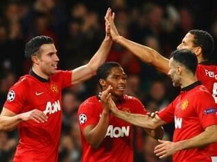 Van Persie deu show em vitória do Manchester United sobre o Olympiakos