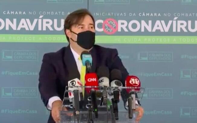 Rodrigo Maia deu entrevista coletiva nesta terça (27) e citou temas econômicos