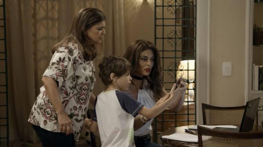 Bibi e família reagem ao ver as fotos divulgadas por Irene na internet
