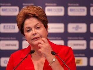 POLITICA . BELO HORIZONTE , MG  A Presidente da Republica, Dilma Rousseff, visita a Olimpiada do Conhecimento, que este ano completa sua oitava edicao e e realizada na capital de Minas Gerais, Belo Horizonte  FOTO: LINCON ZARBIETTI / O TEMPO / 03.09.2014