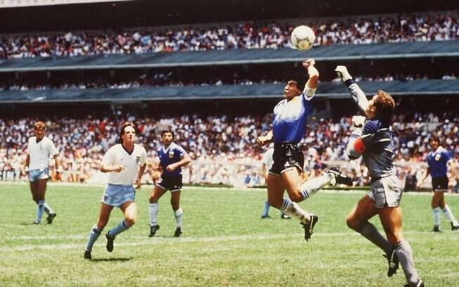 Gol de mão de Maradona em 86 é um dos maiores erros de arbitragem da história das Copas. Foto: Reprodução