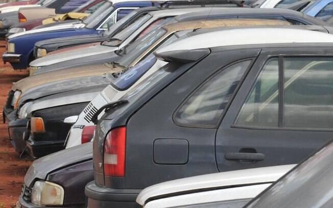 Veículos devem ser declarados pelos valores efetivamente pagos durante o ano