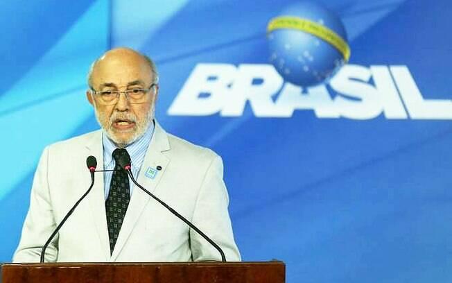 Para comunicar sua decisão, ministro interino da Cultura João Batista de Andrade envia carta a Temer