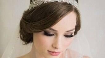 Penteados com diadema são aposta para noivas