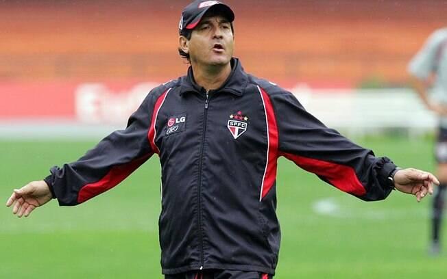 Quando Juvenal Juvêncio assumiu, Muricy  Ramalho era o treinador do São Paulo
