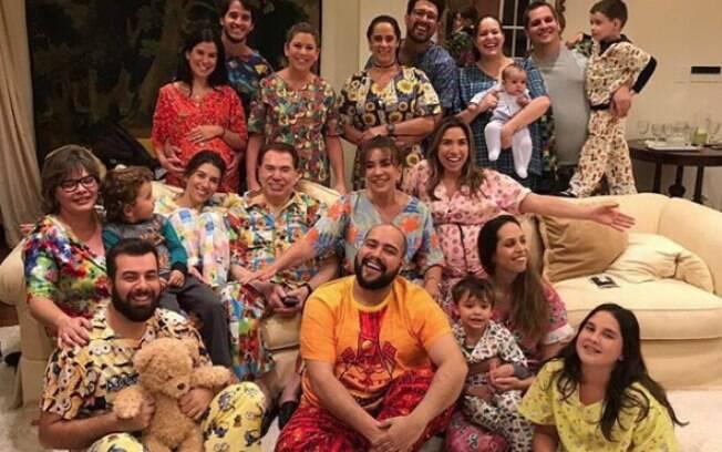 Família Abravanel se reúne para aniversário de Silvio Santos