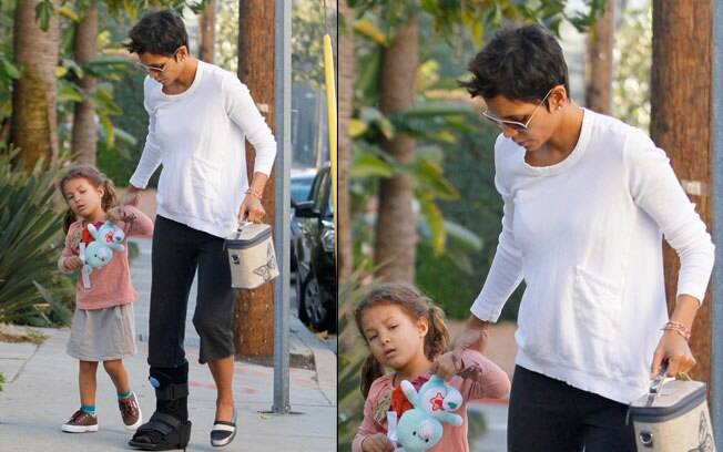 Halle Berry voltou a usar a bota ortopédica meses após quebrar o pé